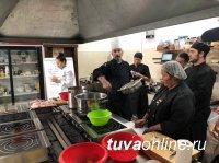 Тувинские повара проходят мастер – класс у сибирского мэтра гастрономии