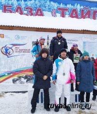 В Туве на открытии зимнего сезона сотрудники МЧС России завоевали призовые места в лыжных гонках