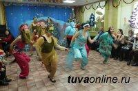 В Туве с Новым годом поздравили детей с нарушениями зрения