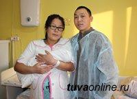 В Туве в наступившем 2020 году первым родился мальчик, ставший пятым ребенком в семье Монгушей из Кызыла
