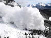 В Туве туристов и альпинистов призывают воздержаться от восхождений на горы