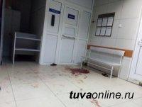 Глава Тувы поблагодарил врачей за спасение молодой матери, подвергшейся нападению в больнице на глазах у людей и собственного ребенка