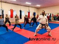 В Туве по инициативе «Единой России» пенсионеров бесплатно обучат боевым приемам каратэ