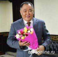 Поздравление с 8 марта Главы Тувы Шолбана Кара-оола