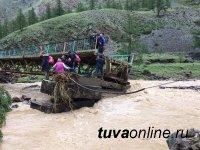 Глава Тувы выехал в отдаленный Бай-Тайгинский район, где из-за паводка действует режим ЧС муниципального характера