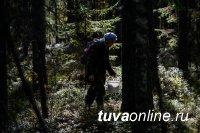 В Туве заблудились в лесу две женщины. Одну нашли. Поиски второй продолжаются