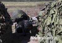 Горные мотострелки ЦВО отрабатывают в Туве взаимодействие с разведчиками