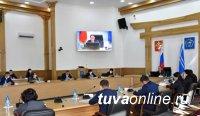Глава Тувы с участниками заседания Совета директоров школ обсудил злободневные вопросы