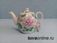 История двух заварных чайников из фондов Национального музея Тувы