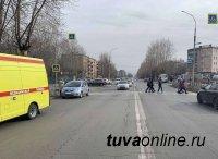 В Кызыле автоледи совершила наезд на двух подростков