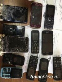 В Туве неизвестные перебросили партию телефонов на территорию тюрьмы с помощью пушки