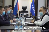 Глава Тувы согласовал с главврачами оснащение больниц для борьбы COVID-19 - Российская газета
