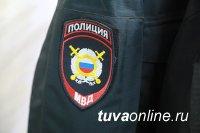 Видео с пьяными сотрудниками полиции разместили в одном из пабликов Тувы