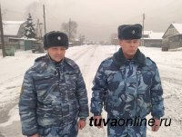 В Кызыле сотрудники УФСИН вынесли детей из пожара