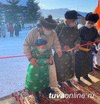 Тува: В селе Успенка свили «Гнездо орлят»