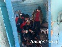20-летний житель Пий-Хема, поиски которого велись с 13 марта, обморозил ногу, но сегодня самостоятельно вышел на чабанскую стоянку