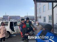 В Туве заплутавшего в зимней тайге 20-летнего жителя Пий-Хема спустя неделю по телефону вывели на чабанскую стоянку и доставили в больницу
