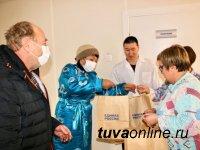 В Туве добровольцы не мыслят жизни без волонтерства спустя год после начала пандемии COVID-19