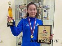 Чойгану Тумат из Тувы, завоевавшую «золото» отборочного Чемпионата России по женской борьбе, ждёт первенство Европы и мира