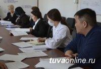 Сенатор Дина Оюн выясняет, как закрепить медицинских работников в районах Тувы