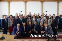 В Кызыле состоялось представление временно исполняющего обязанности главы региона Владислава Ховалыга