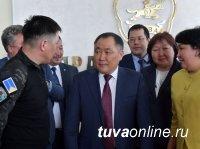 В парламенте Тувы оценили работу экс-главы региона Кара-оола - РИА Новости