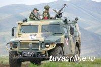 """В Туве на бронеавтомобилях """"Тигр"""" пулеметчики состязались в точности стрельбы"""