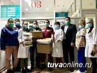 Единороссы поздравляют медиков Тувы с профессиональным праздником
