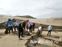Завершена полевая археологическая практика на могильнике Терезин студентов – историков ТувГУ