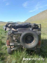 В Туве в перевернувшемся  УАЗе водитель и пассажиры распивали спиртное. Один человек погиб
