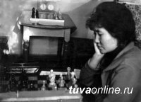 Зинаида Ооржак, восьмикратная чемпионка Тувы по шахматам, отмечает 80-летний юбилей